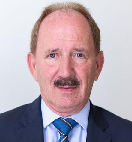 Dr. Alexander Knotek